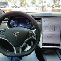Tesla añadirá juegos de Atari a la pantalla de sus coches en su próxima actualización V9.0