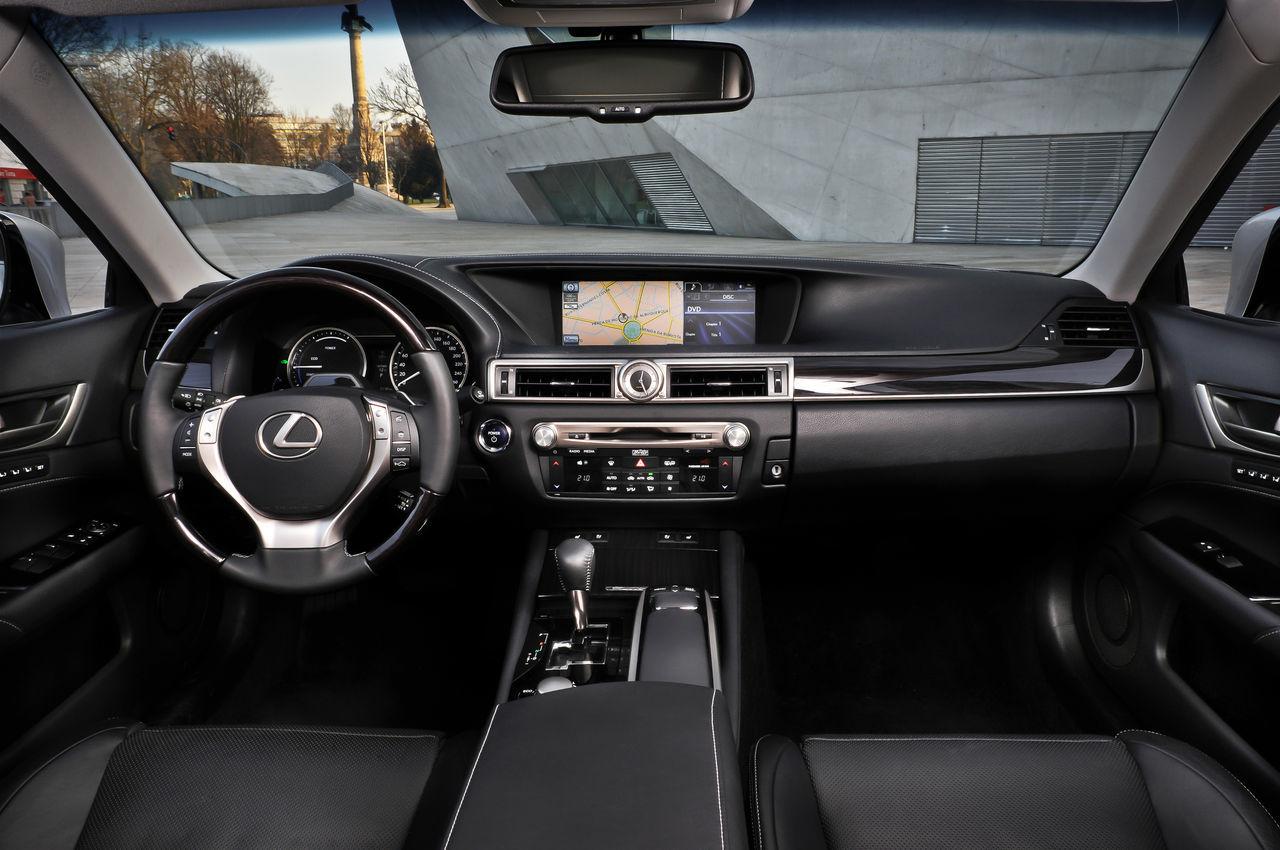 Foto de Lexus GS 450h (2012) (27/62)
