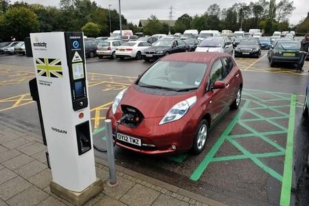 Recarga Nissan LEAF Inglaterra