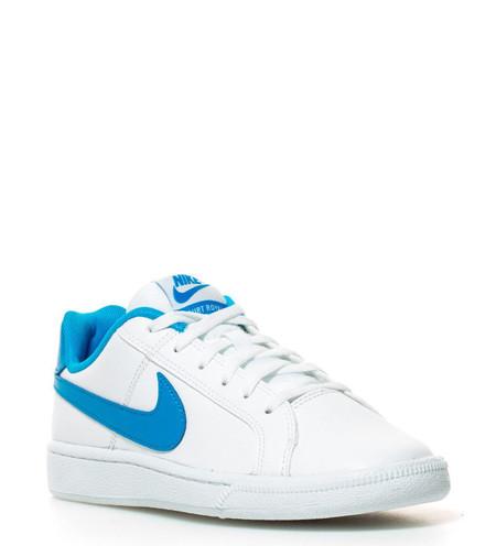 Por 43,94 euros tenemos en eBay las zapatillas Court Royale  en blanco. El envío es gratis