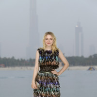 Dakota Fanning Chanel crucero look