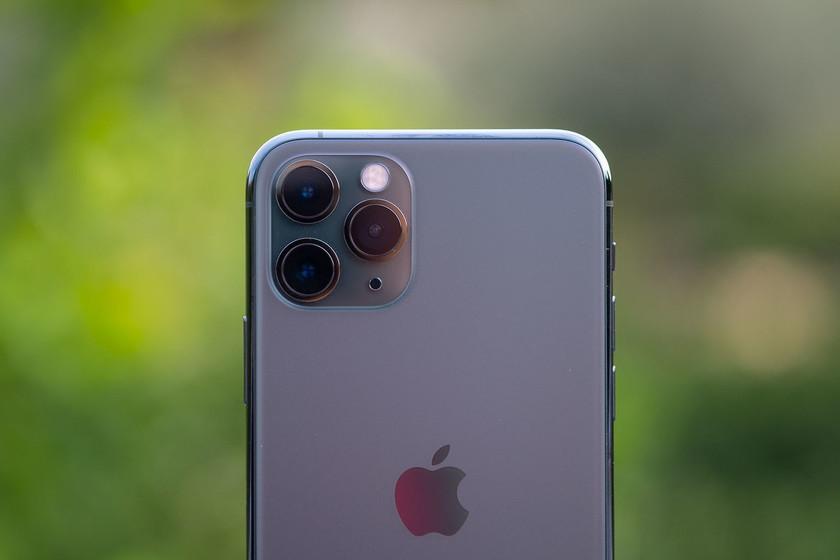 Ponen a prueba la resistencia al agua de los iPhone 11 y 11 Pro: aguantan hasta el triple de lo que Apple dice