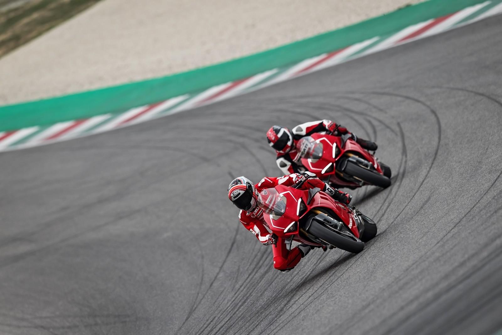 Foto de Ducati Panigale V4 R 2019 (25/87)