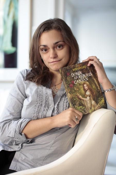 Todo era amor entre Netflix y Laura Gallego hasta que tocó elegir quiénes doblaban Memorias de Idhún