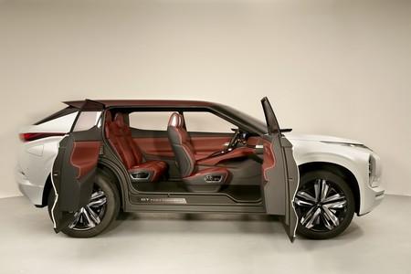 Mitsubishi Gt Phev Concept 6