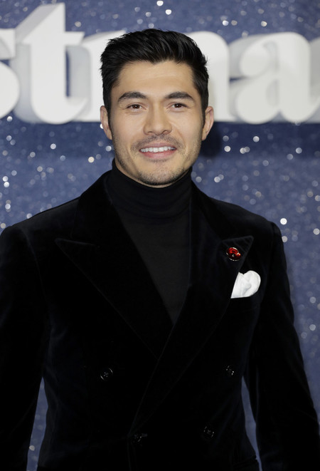 Henry Golding Last Christmas Style Red Carpet Premiere 02