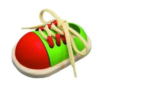 atar zapatos