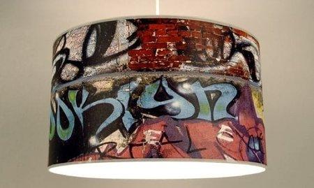 Lámparas con graffitis dibujados
