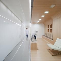 Foto 1 de 15 de la galería una-clinica-dental-aseptica-y-futurista en Decoesfera