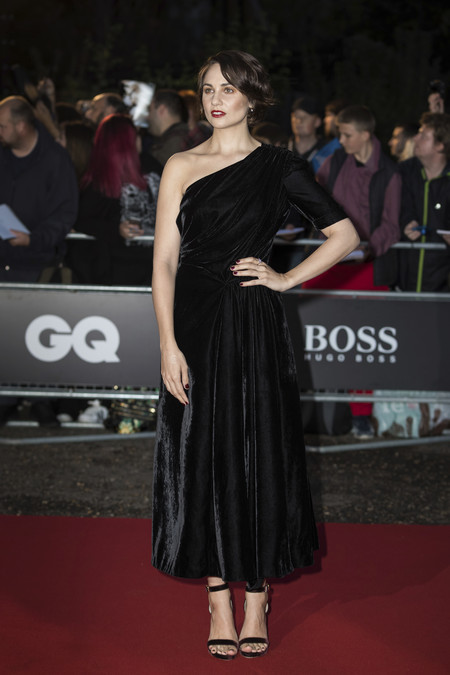 premios gq hombre del año alfombra roja red carpet look estilismo outfit celebrities Tuppence Middleton