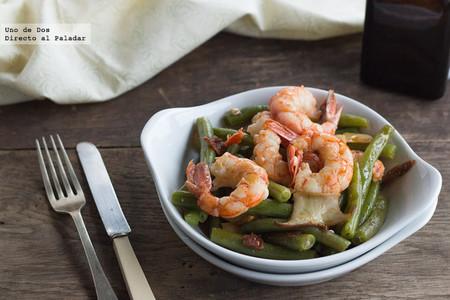 Salteado de gambas con judías verdes, receta resultona para solucionar la cena rápidamente
