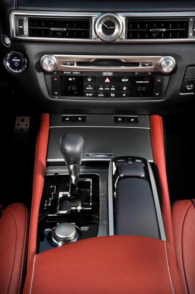 Foto de Lexus GS 450h F Sport (2012) (25/26)
