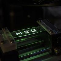 Estos científicos trabajan en nuevas pantallas OLED que se imprimen con inyección de tinta y que se pueden doblar