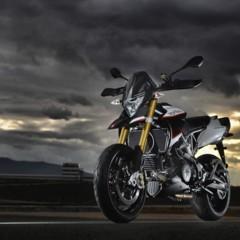 Foto 17 de 103 de la galería aprilia-dorsoduro-1200-mega-galeria-de-fotos-oficiales en Motorpasion Moto