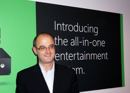 """""""Vamos a atraer más gente a las consolas por ofrecer el entretenimiento completo en un sólo dispositivo"""". Chris Lewis de Xbox"""