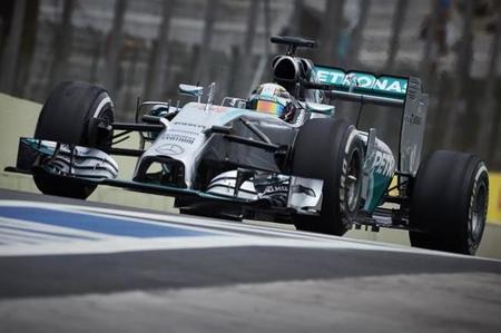 Lewis Hamilton comienza liderando en Abu Dhabi