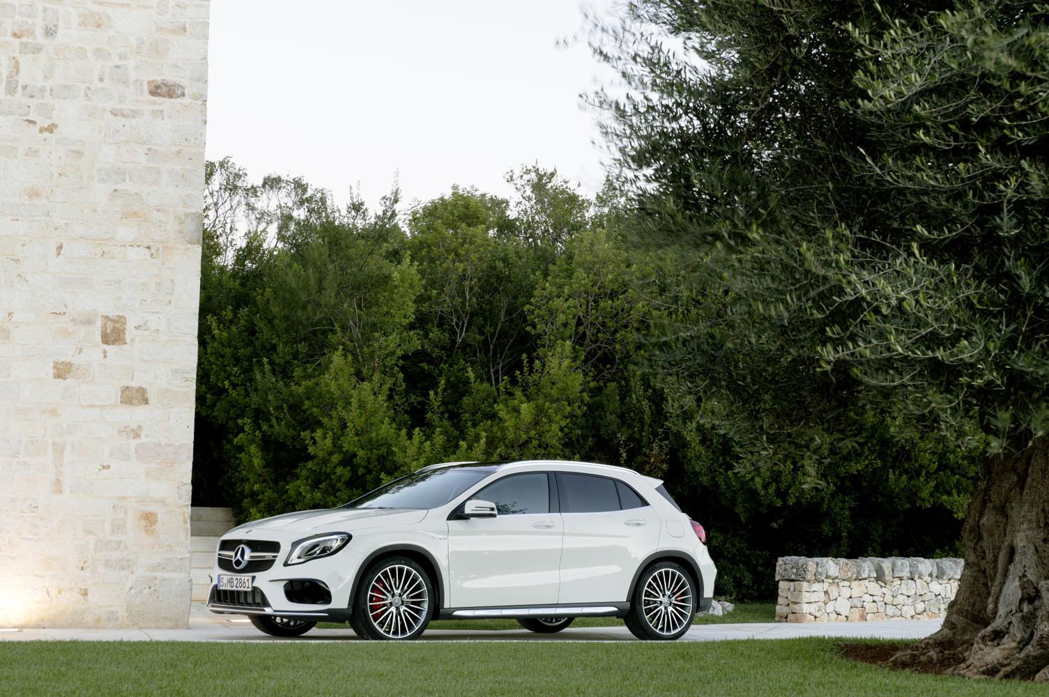 Foto de Mercedes-AMG GLA 45 2017 (23/43)