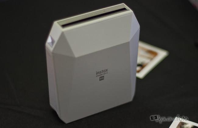 Fujifilm Instax Share SP-3 SQ, la primera impresora portátil de foto instantánea en formato cuadrado para smartphones