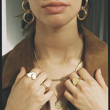 Hay vida más allá de los corazones en San Valentín: 16 collares, pulseras y anillos con un significado especial