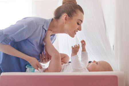 Contra la dermatitis del área del pañal, restaura el pH natural: cómo cuidar la piel de nuestro bebé de forma fácil y eficaz