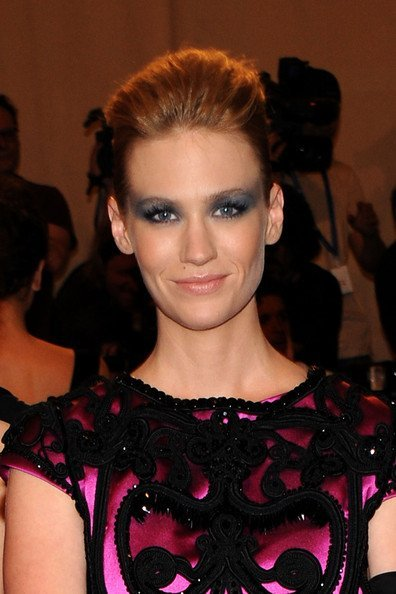 Maquillaje desastre: January Jones en la gala del MET 2010