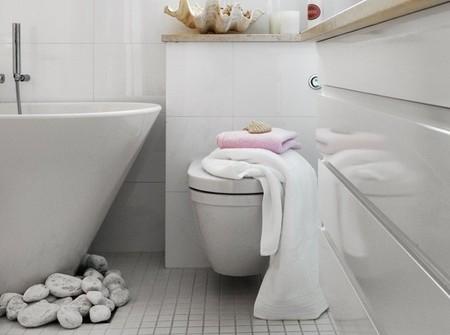 Una mala idea: decorar con piedras alrededor de la bañera
