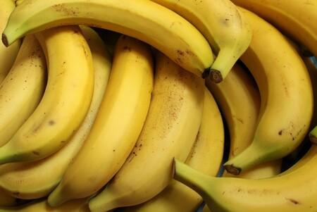 Puedes reemplazar las bebidas isotónicas por plátanos para recuperarte durante el ejercicio