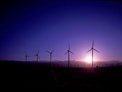 """28.000 millones en pérdidas: la """"transición energética"""" se cobra sus primeras víctimas, las eléctricas alemanas"""