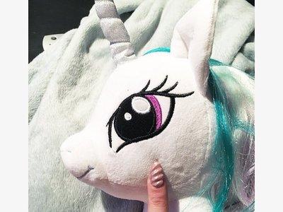 La fiebre de los unicornios llega a las uñas, ¡y en 3D!