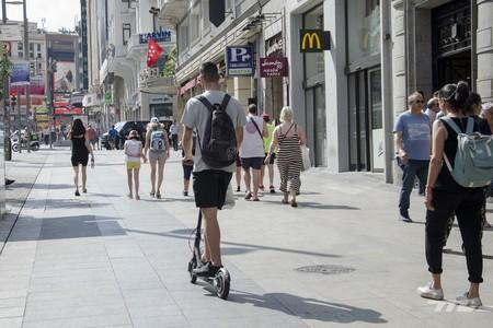 Los usuarios de patinetes eléctricos y bicicletas se ven más inmunes a las multas que los que van en coche