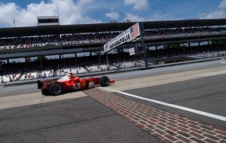 Si la F1 vuelve a Indianápolis, ¿por qué no hacerlo en el óvalo?