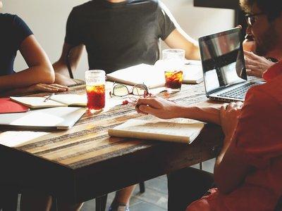 Cómo construir una red de contactos para impulsar tu carrera