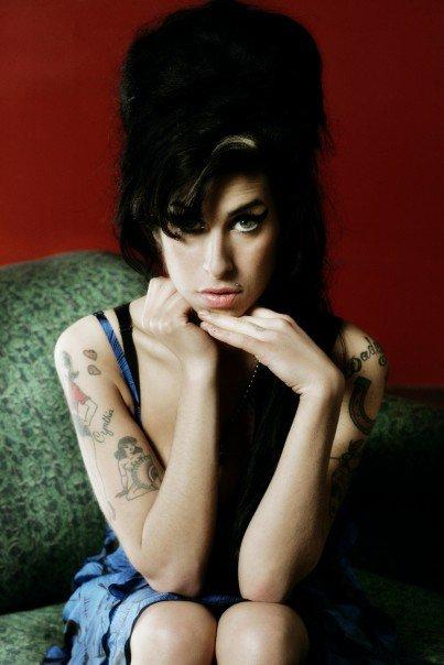 Confirmado: Amy Winehouse murió por accidente tras darle al alpiste
