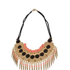 Foto 14 de 19 de la galería decora-tu-cuello-con-los-collares-babero-1 en Trendencias