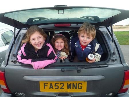 Viajes largos con niños en coche: 23 propuestas y gadgets para mantenerlos entretenidos