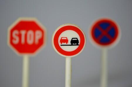 Traffic Signs 674621 1280