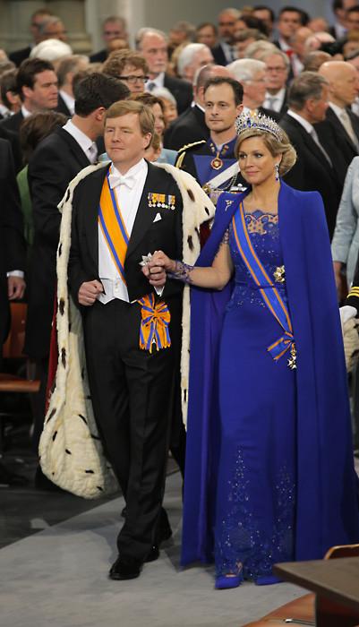 Y llegó el momento de poner la corona a los reyes de Holanda