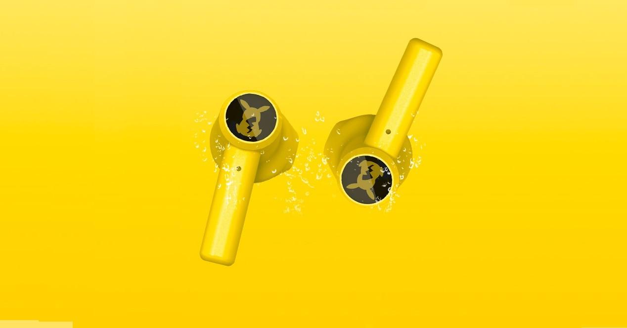 audífonos de pikachu
