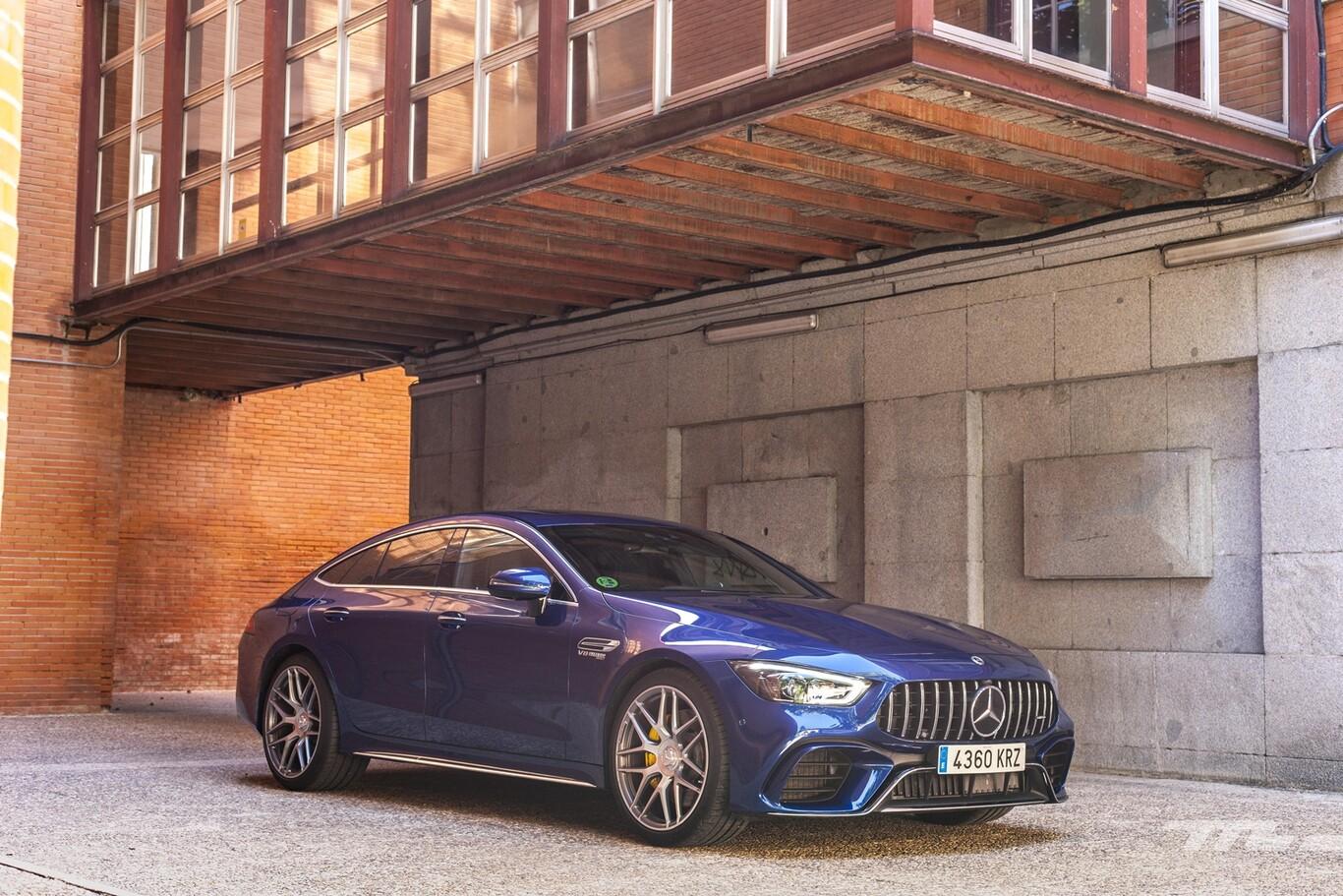 Ecco svelata la nuova Mercedes AMG GT