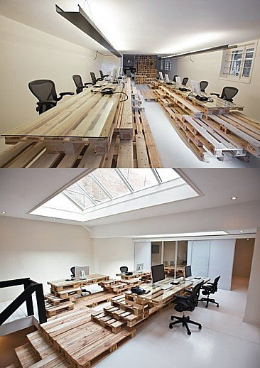Muebles de oficina con palés