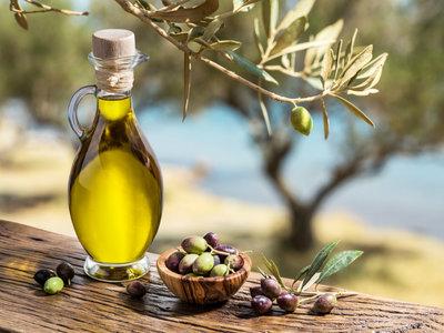 Utilizas aceite de oliva a diario... ¿pero sabes qué variedad es la mejor para cada plato?