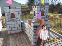 Un fabuloso castillo hecho con cajas de cartón
