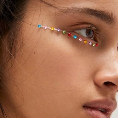 Pull&Bear rebaja sus pegatinas faciales más delicadas: maquillajes de fantasía a menos de tres euros