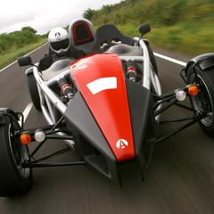 Foto 8 de 11 de la galería coches-para-usar-con-casco en Motorpasión