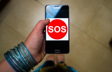 Los móviles tendrán que incorporar un botón de emergencia para poder venderse en la India