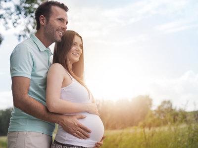 Empresas que ofrecen a sus empleados congelar los óvulos, ¿libertad para la mujer o invitación a retrasar su maternidad?