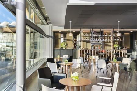 Velazquez Premium Lounge 4