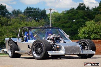 900 kilos y motor V8 de 400 CV, ¿a esto como lo llamo?