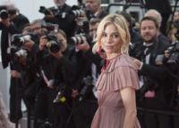 Sienna Miller o cómo llevar un vestido de volantes de la mejor manera posible, Gucci tiene la culpa