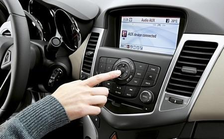 General Motors se alía con AT&T para incorporar tecnología 4G en sus coches